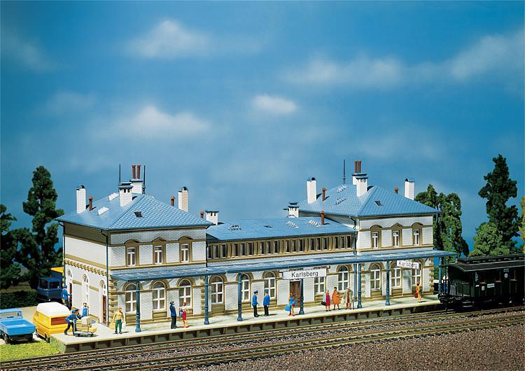 Faller N Stations & Spoorgebouwen