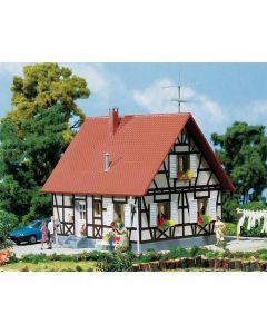 Faller Vrijstaand huis in vakwerk 130222