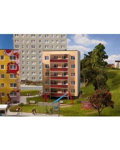 Faller Plattenbau P2/5 130803