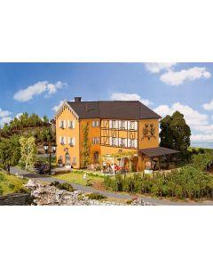 Faller Wijnboerderij met klein cafe 130908