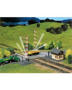 Faller N Spoorwegovergang met spoorbomen 222169