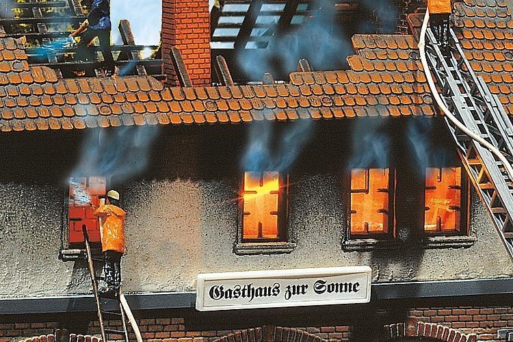Faller brandend huis