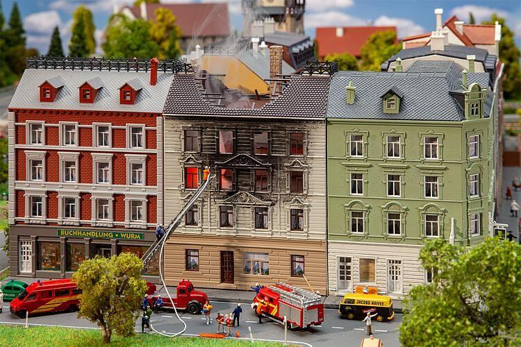 Branden huis schaal N